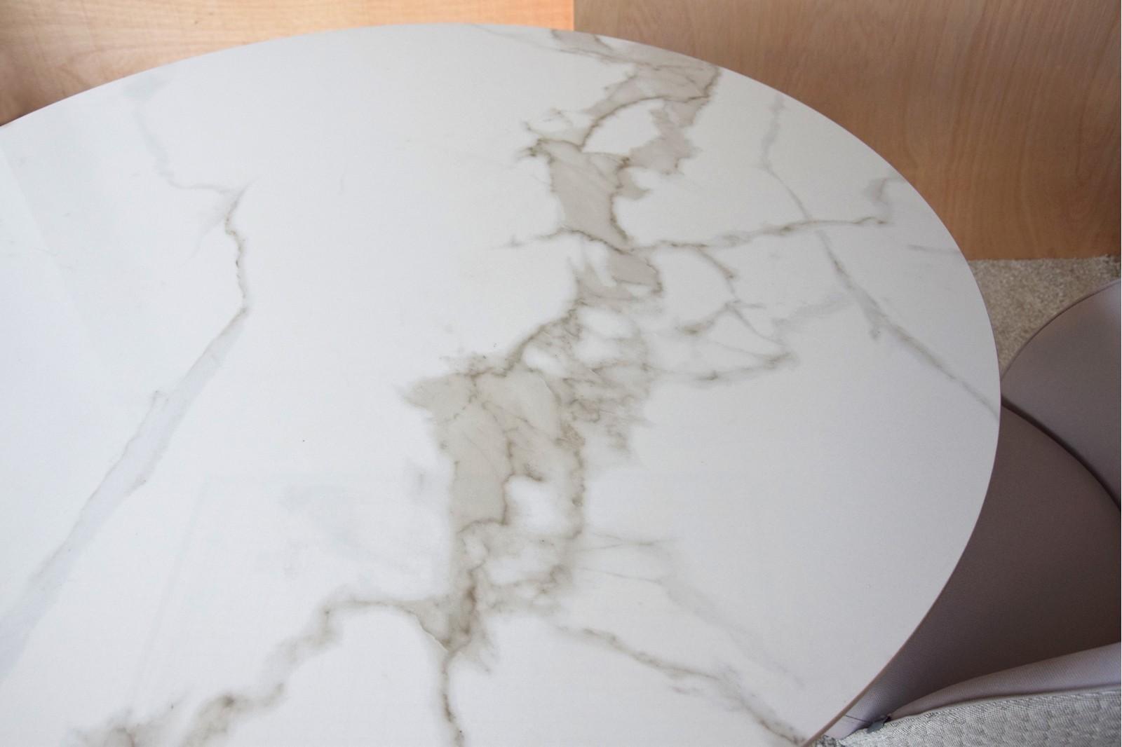 ROUND DINING TABLE. WHITE GREY CERAMIC TOP