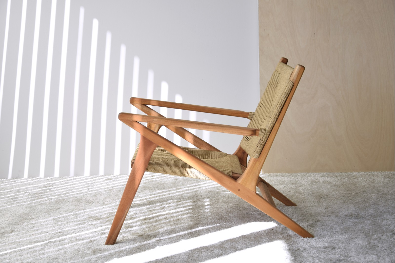 MONTY CHAIR. WOOD AND NATURAL ROPE