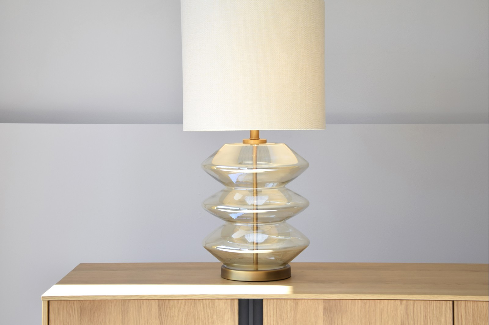 ZIG ZAG TABLE LAMP. AMBER GLASS. WITH SHADE