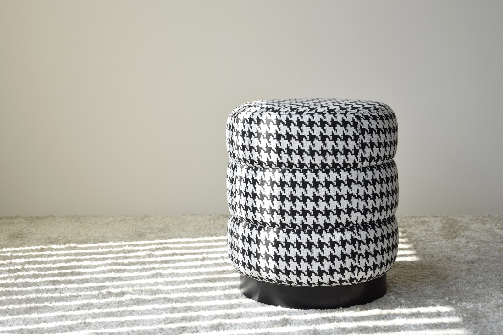 SET 2 STOOLS. HOUNDSTOOTH FABRIC.BLACK AND WHITE