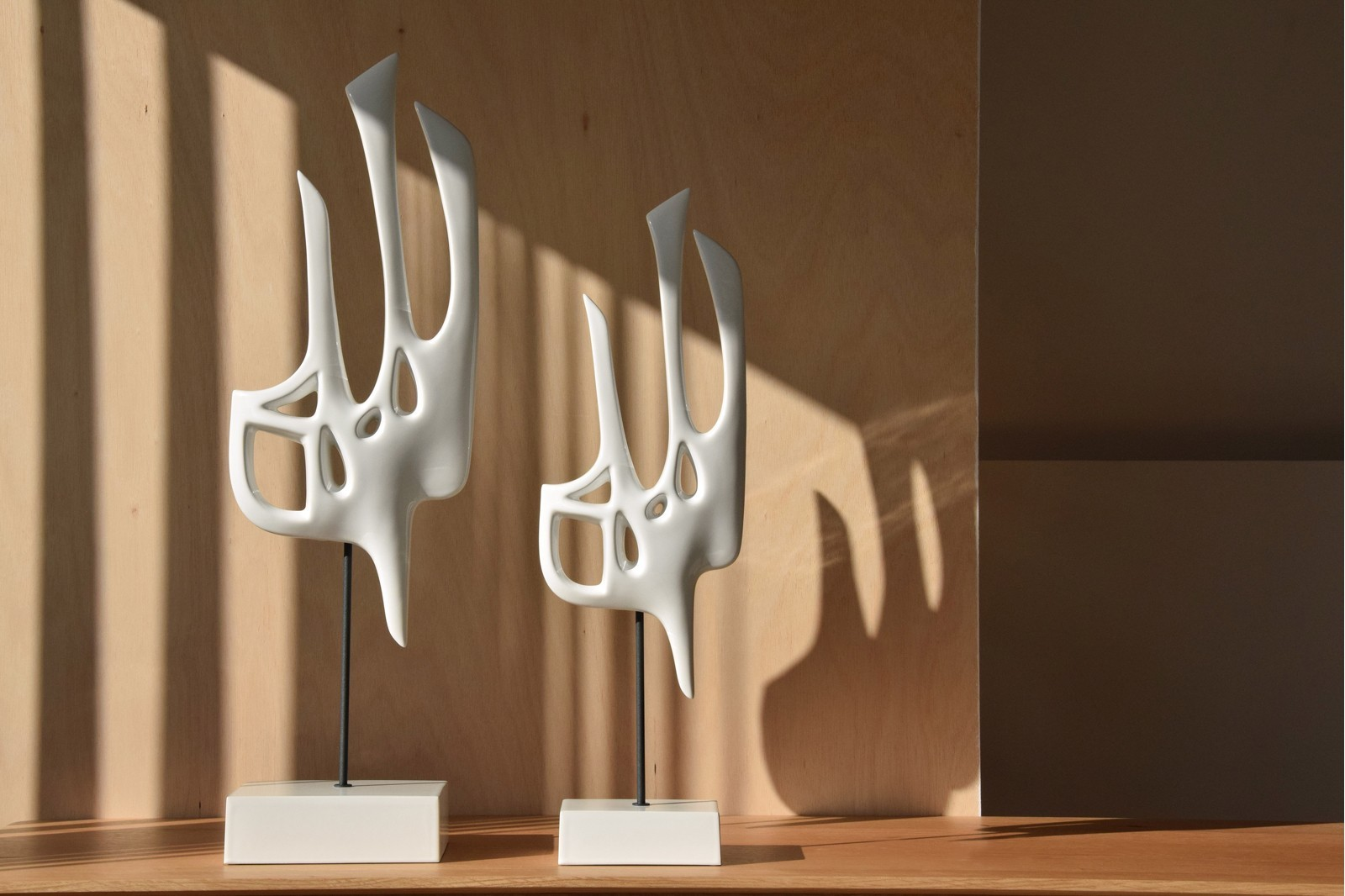 ABSTRACT BIRD COLLECTION. GLOSS WHITE CERAMIC SCULPTURE