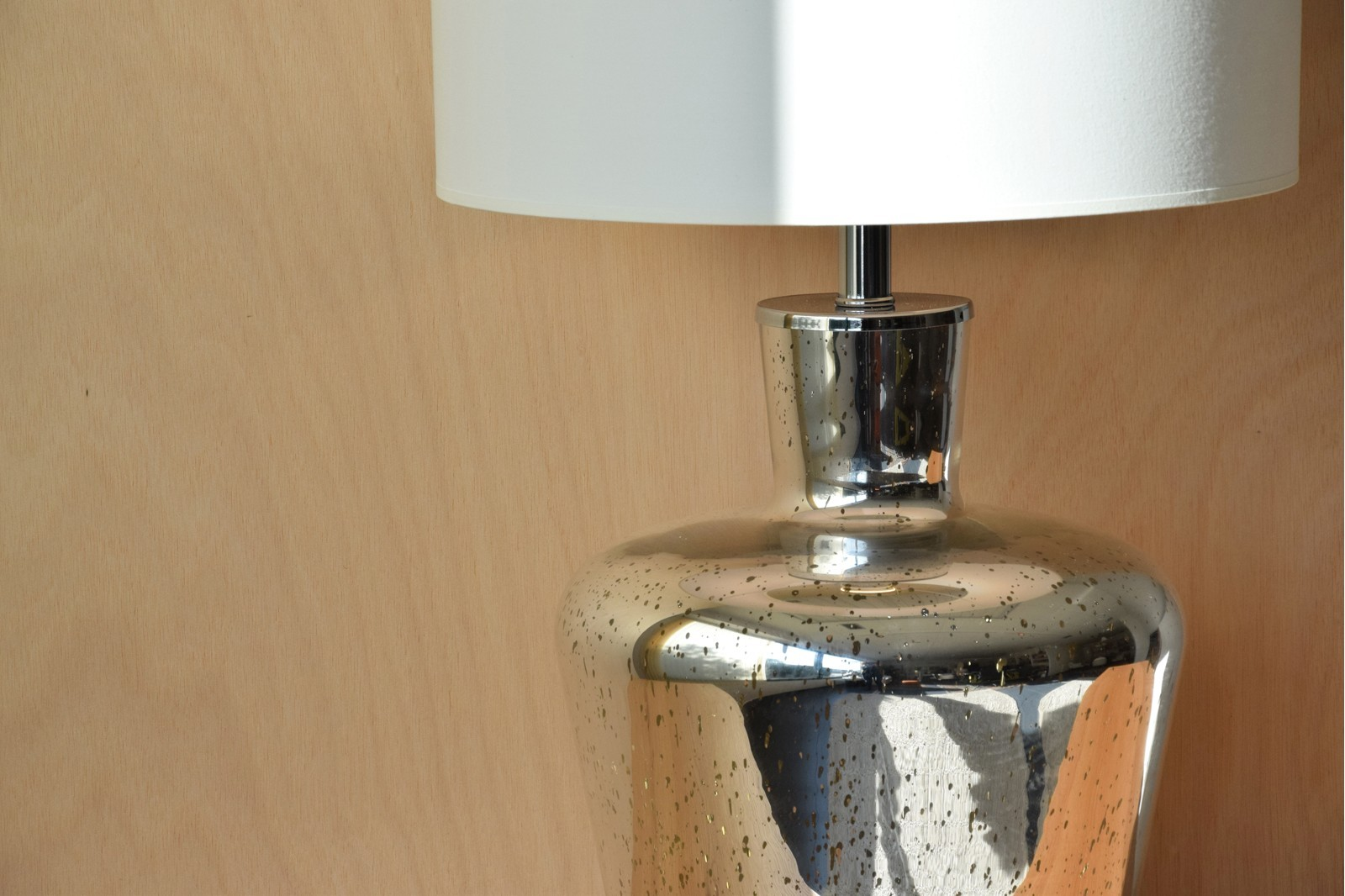 SIVER GLASS TABLE LAMP WITH SHADE PE