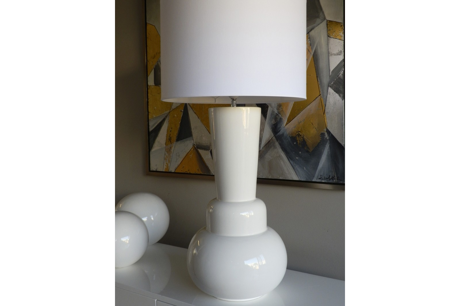 CERAMIC TABLE LAMP WHITE GLOSSY