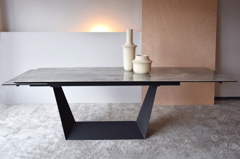 EXTENSIBLE DINING TABLE. GREEN GREY CERAMIC TOP.