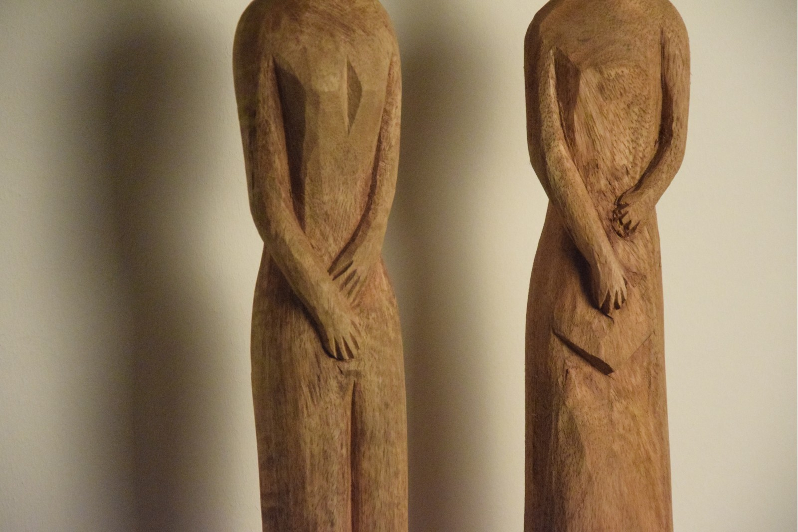 AFRICAN SCULPTURES IN NATURAL WOOD COLLECTION