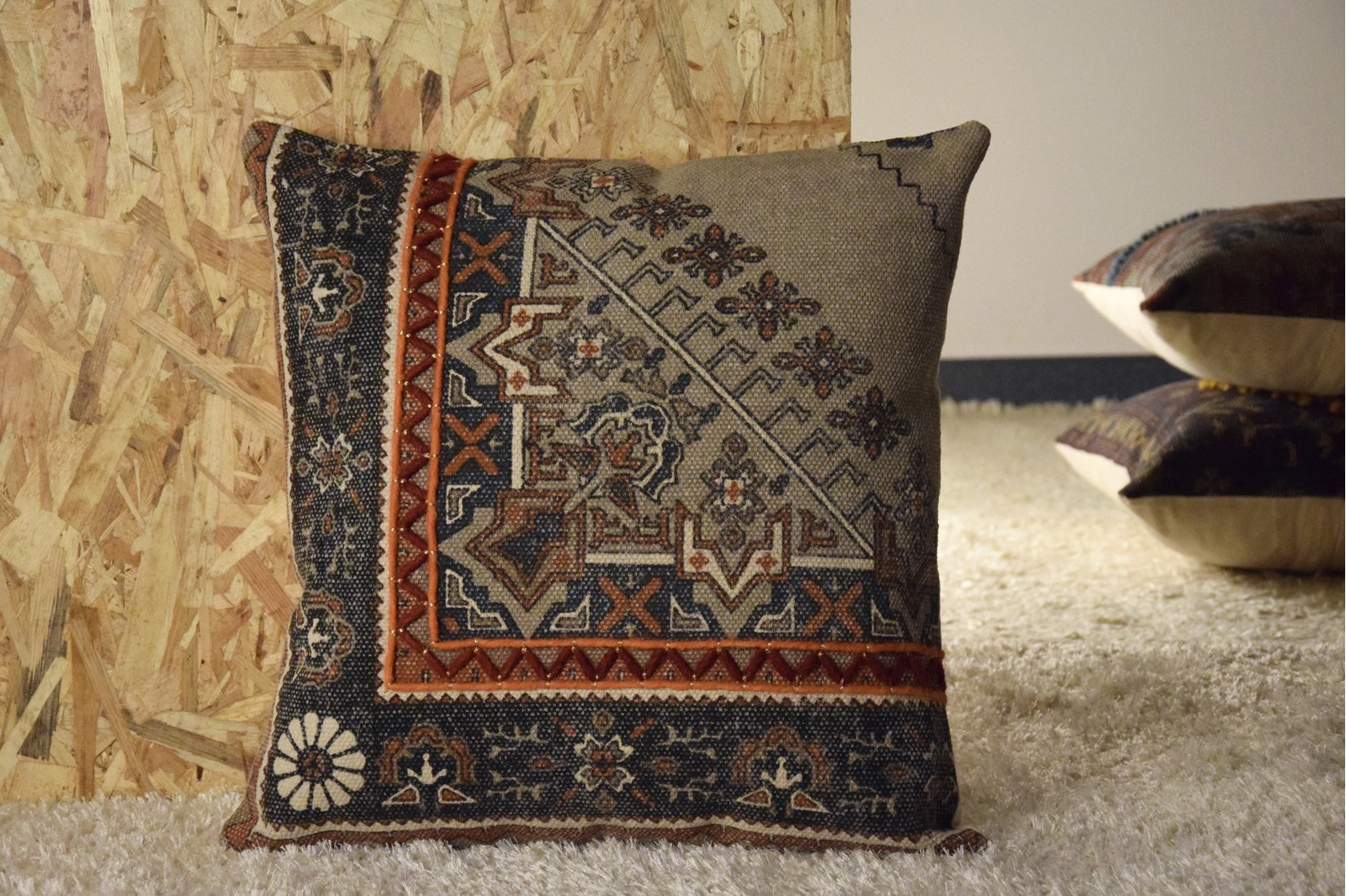 COTTON AND WOOL CUSHION.ETHNIC AND EMBROIDERY