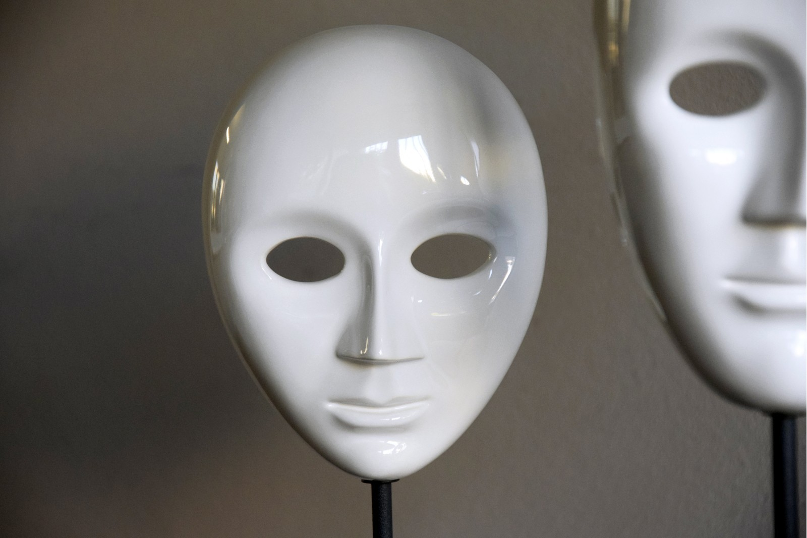 MASK COLLECTION. CERAMIC SCULPTURE WHITE GLOSSY