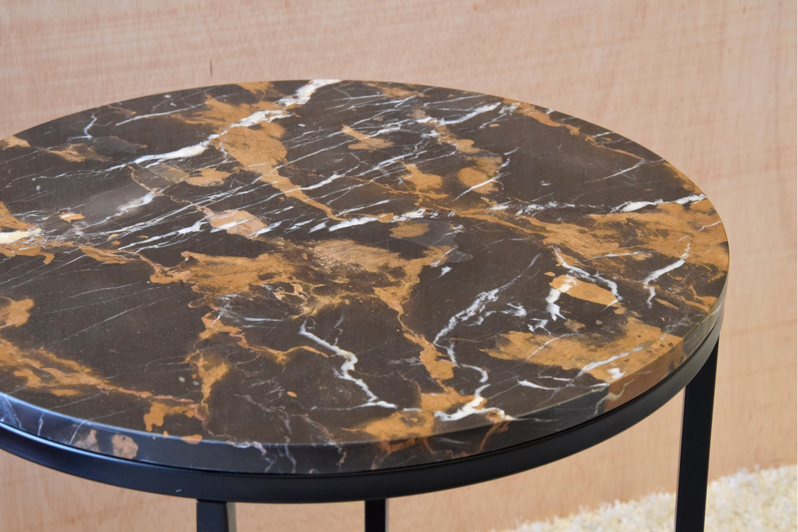 SIDE TABLE MARBLE TOP AND BLACK METAL