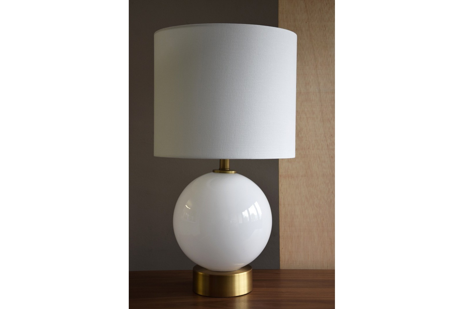 WHITE GLASS TABLE LAMP SPHERE  WITH SHADE