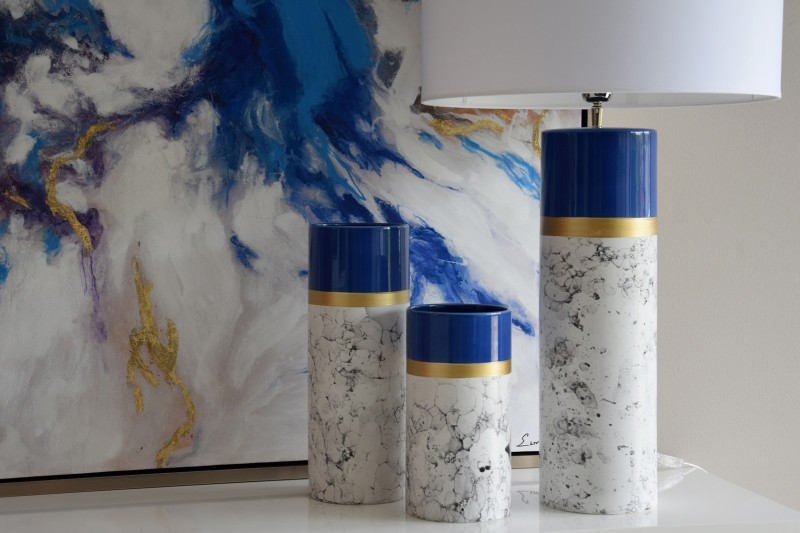 MARBLE COLLECTION: LAMP AND CERAMIC VASES