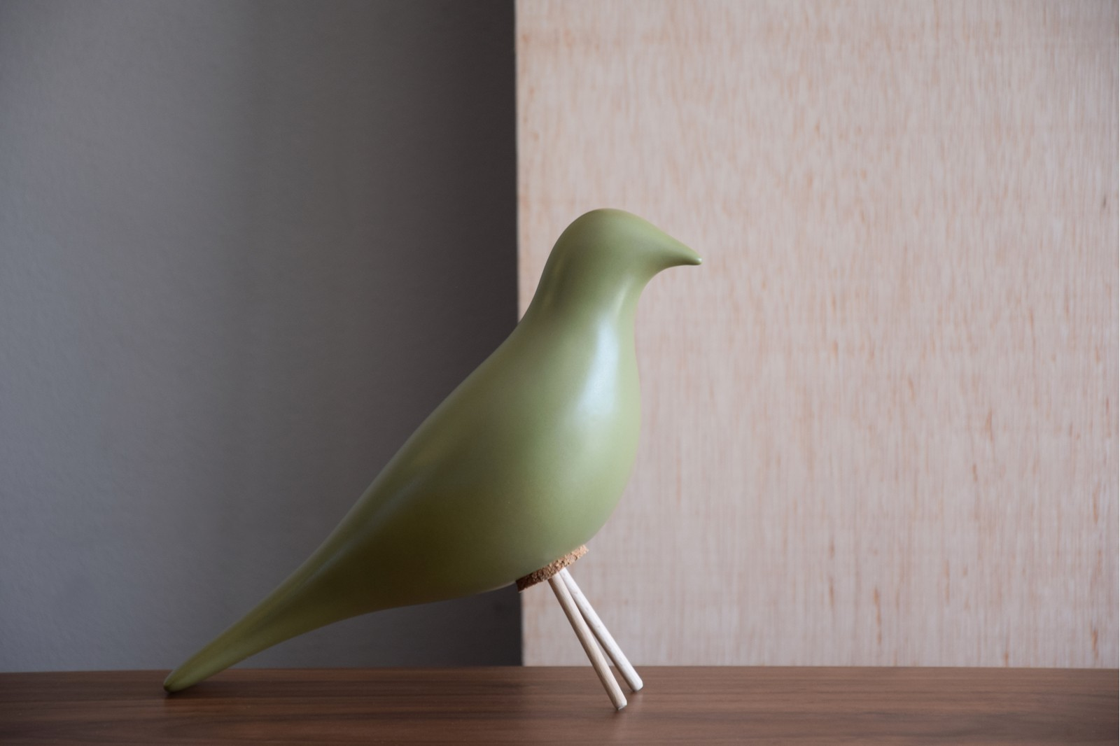 CERAMIC BIRD. MATT GREEN