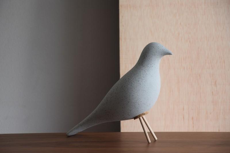 CERAMIC BIRD. MATT GREY
