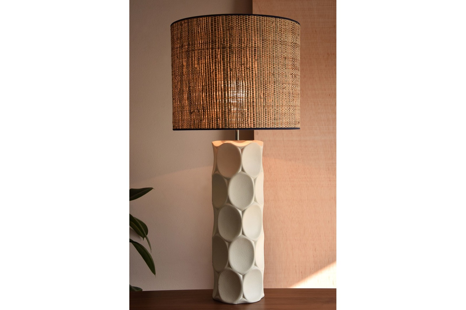 CERAMIC LAMP. VEINTE COLLECTION