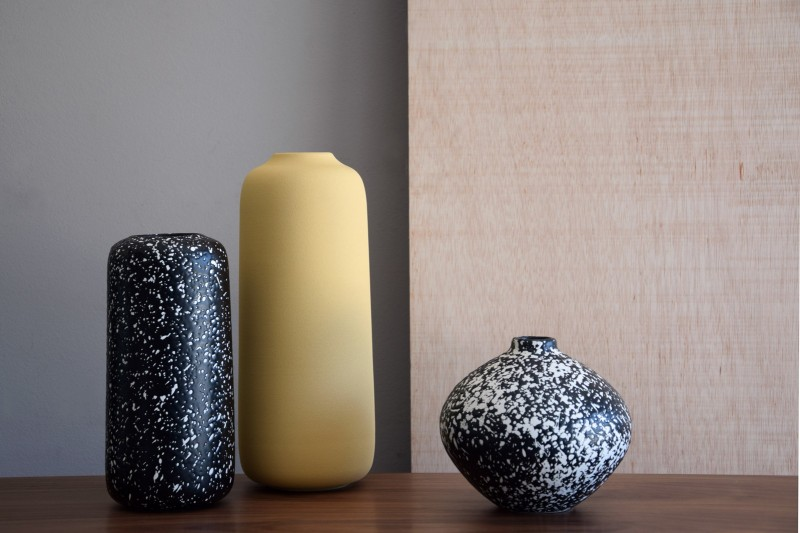 NANA COLLECTION:  CERAMIC VASES AND CENTREPIECE