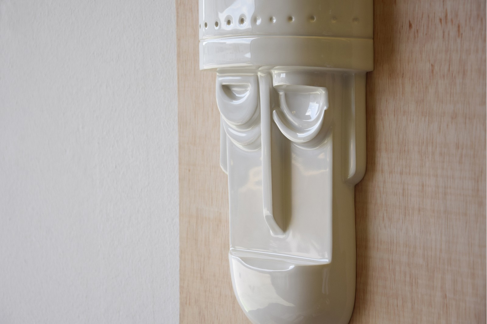 MASKS COLLECTION GLOSSY WHITE. WALL