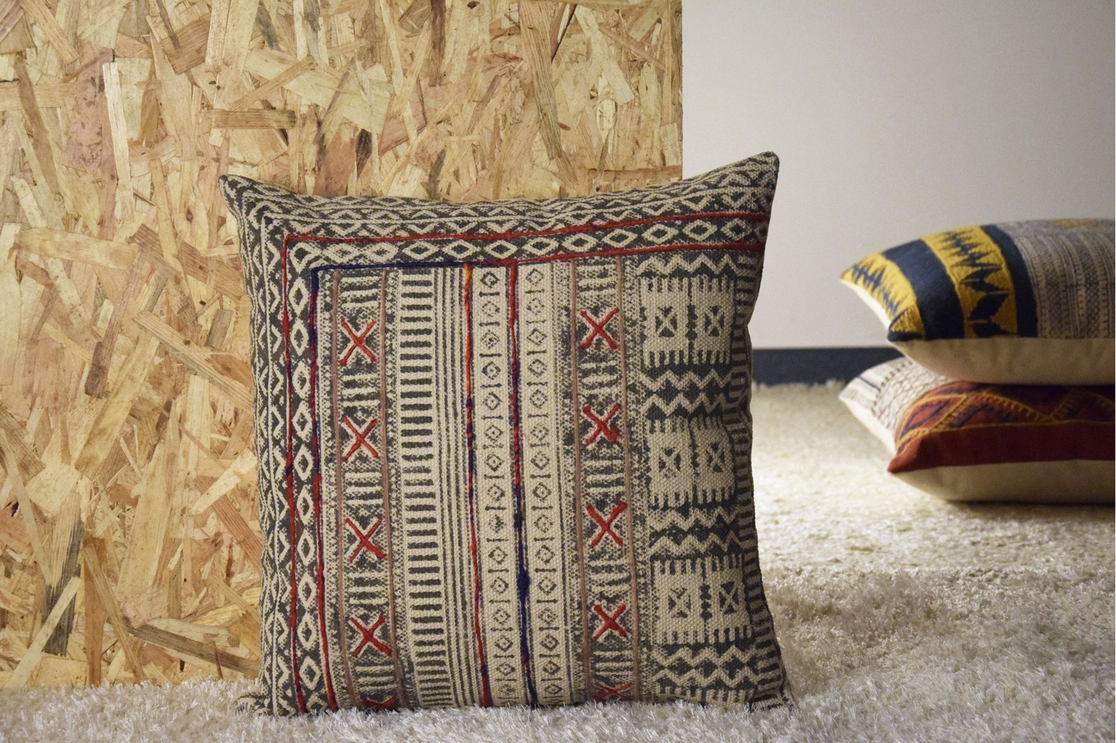 COTTON AND WOOL CUSHION.TRIBAL AND EMBROIDERY