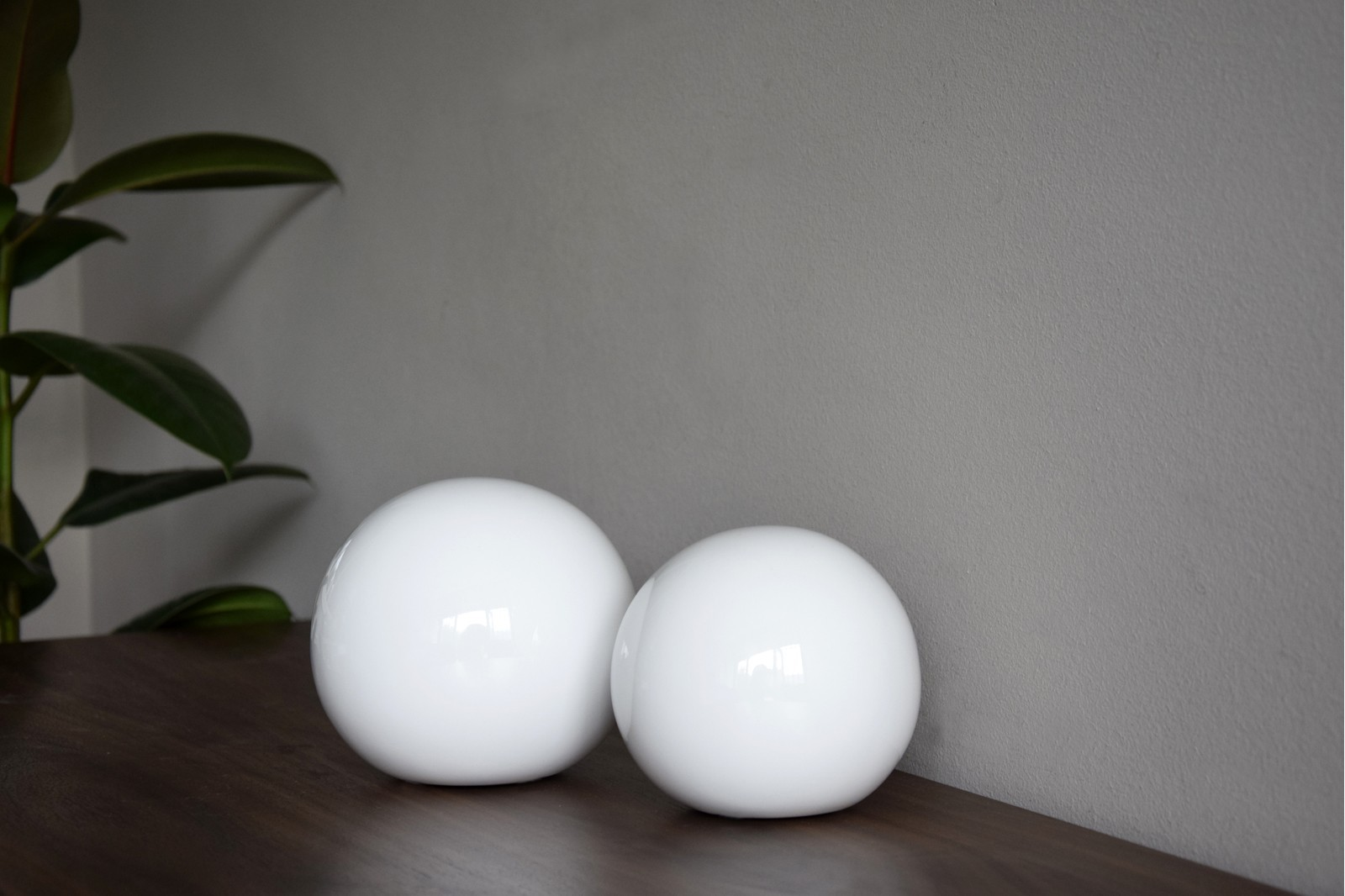 CERAMIC SMOOTH WHITE BALLS COLLECTION