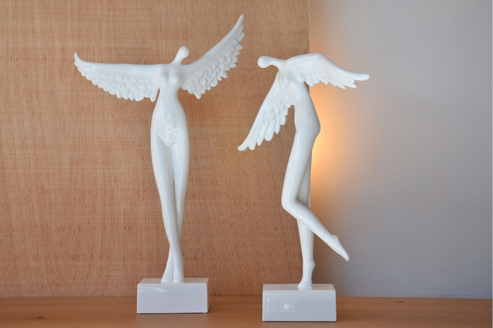ANGEL COLLECTION. CERAMIC SCULPTURE WHITE GLOSSY