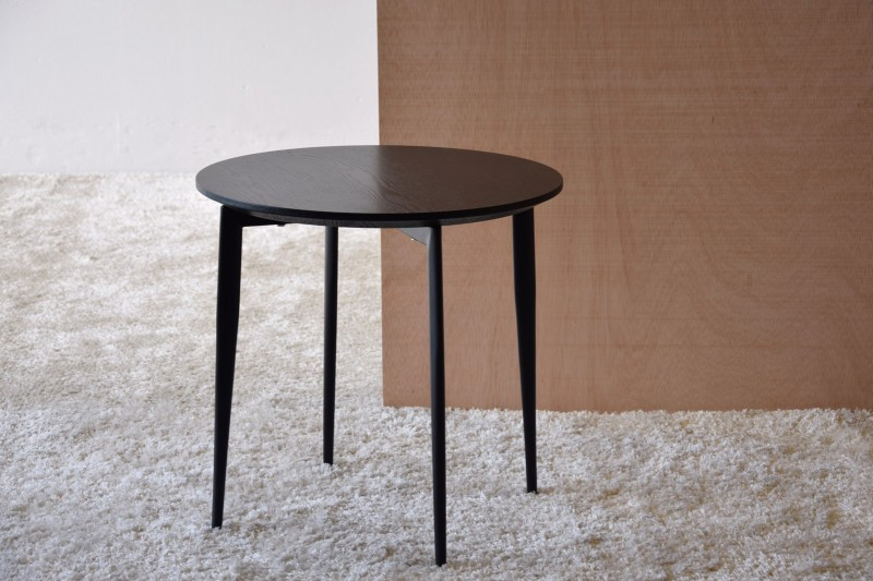 ROUND SIDE TABLE.MATT BLACK ASH VENEER.METAL.H