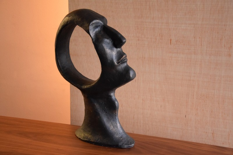 HEAD SCULPTURE IN CAST IRON. LARGE