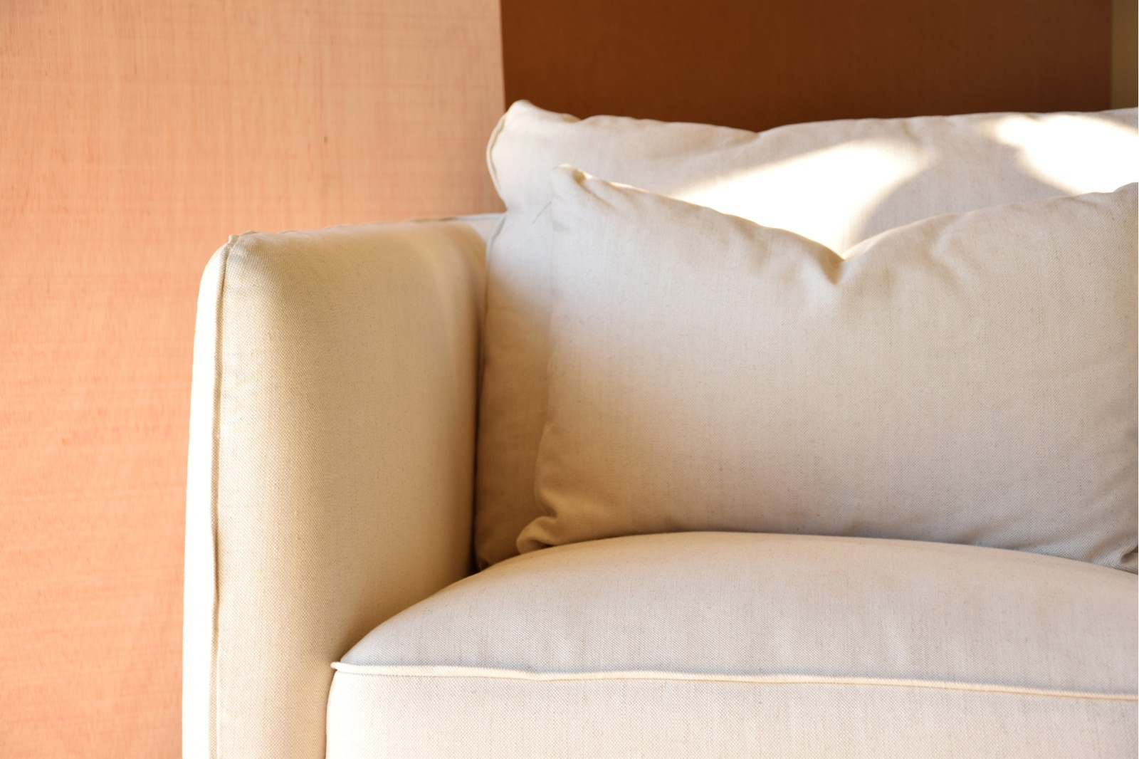 ARMCHAIR WITH BEIGE LINEN COVER