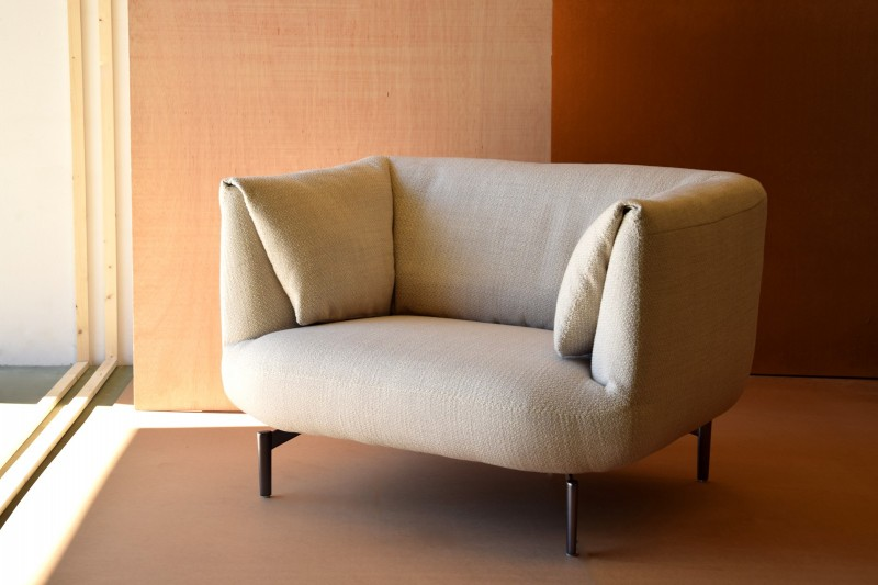 ARMCHAIR. IVORY COLOR