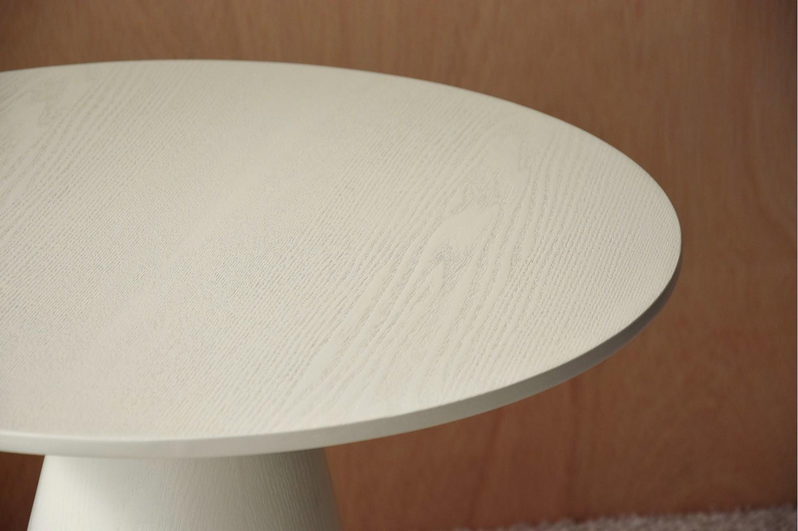 ROUND SIDE TABLE. MATT WARM WHITE ASH VENEER