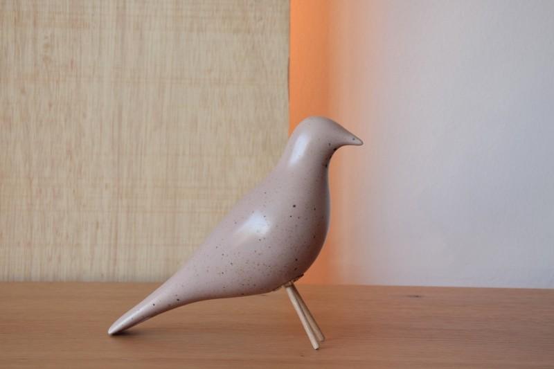 CERAMIC BIRD.MATT PINCK WITH SPECKLES