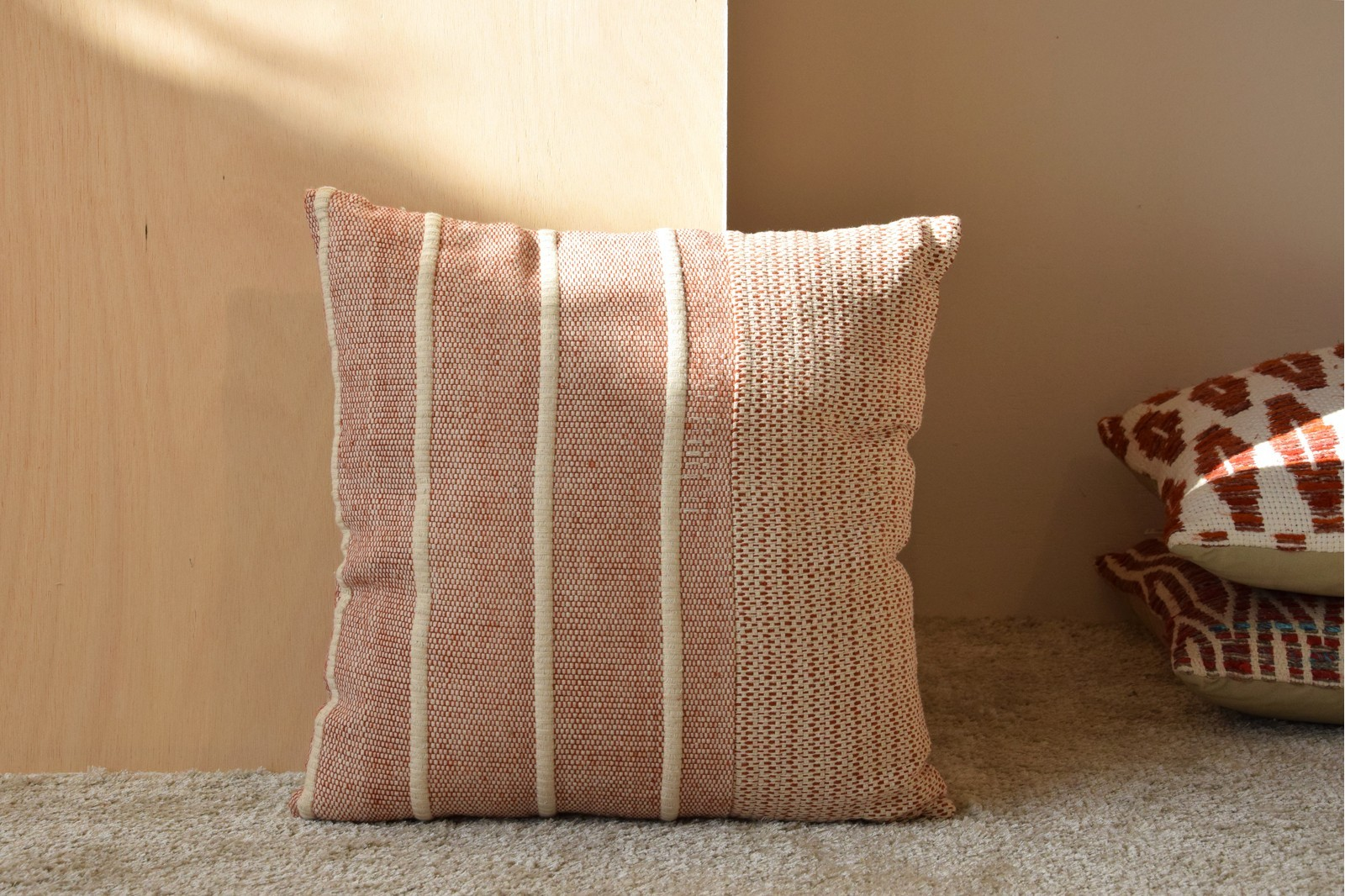 CUSHION COTTON RED AND WHITE LINES. NAMIBA N.3