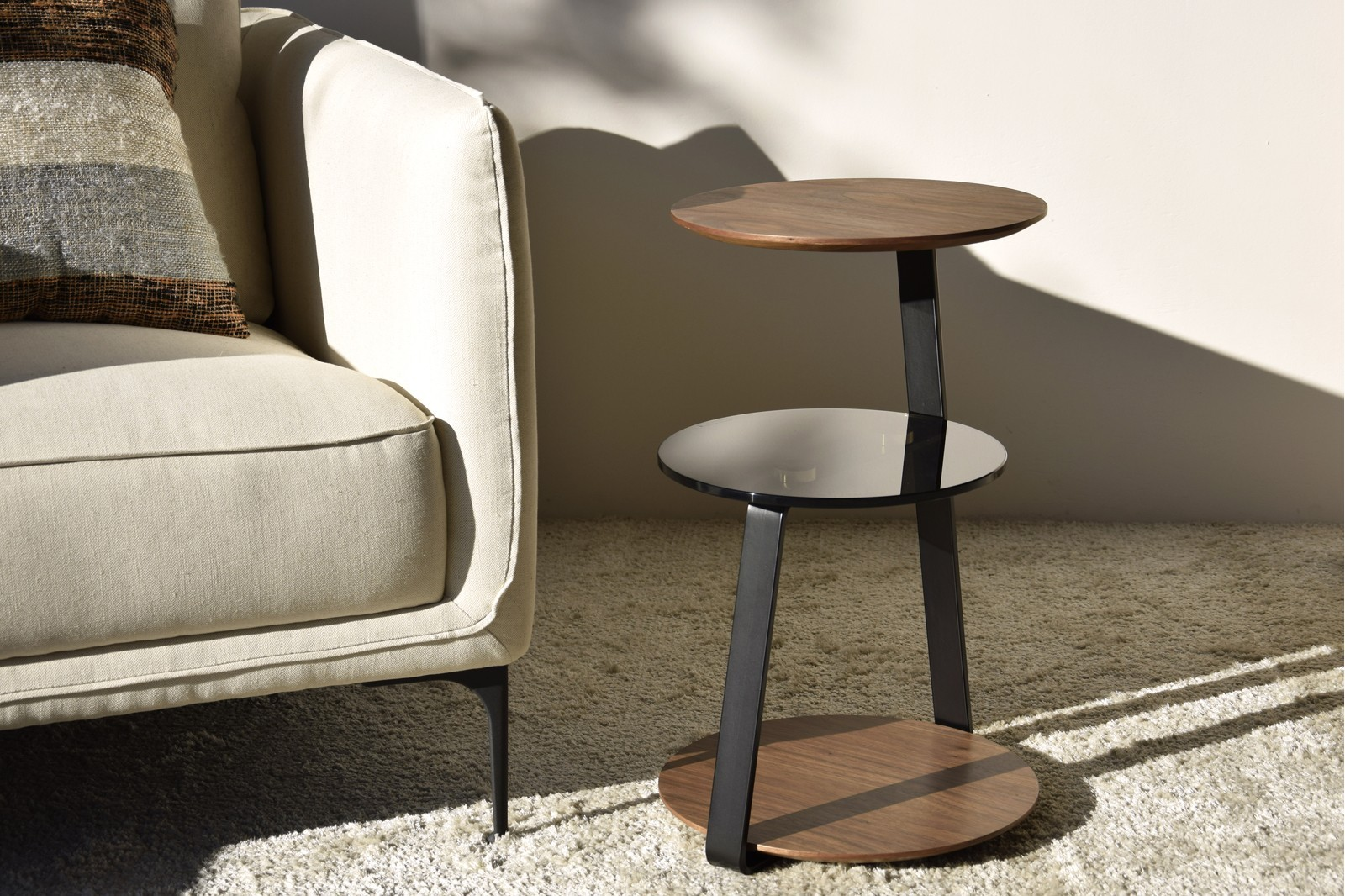 SIDE TABLE WALNUT TEMPERED GLASS AND METAL