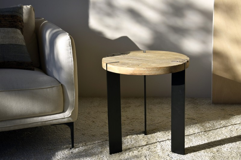 SIDE TABLE. METAL AND ELM WOOD