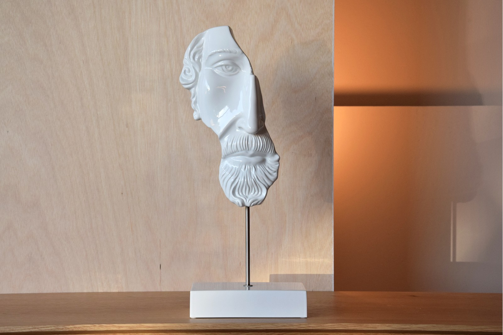 CLASSIC SCULPTURE COLLECTION. GLOSS WHITE CERAMIC FACES