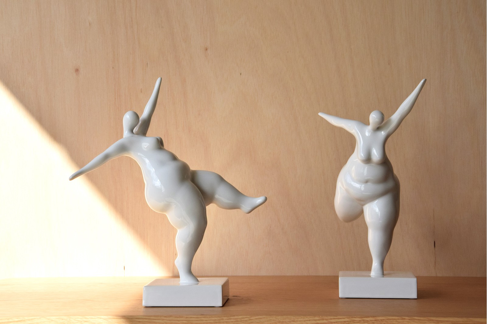 FAT COLLECTION. CERAMIC SCULPTURE WHITE GLOSSY
