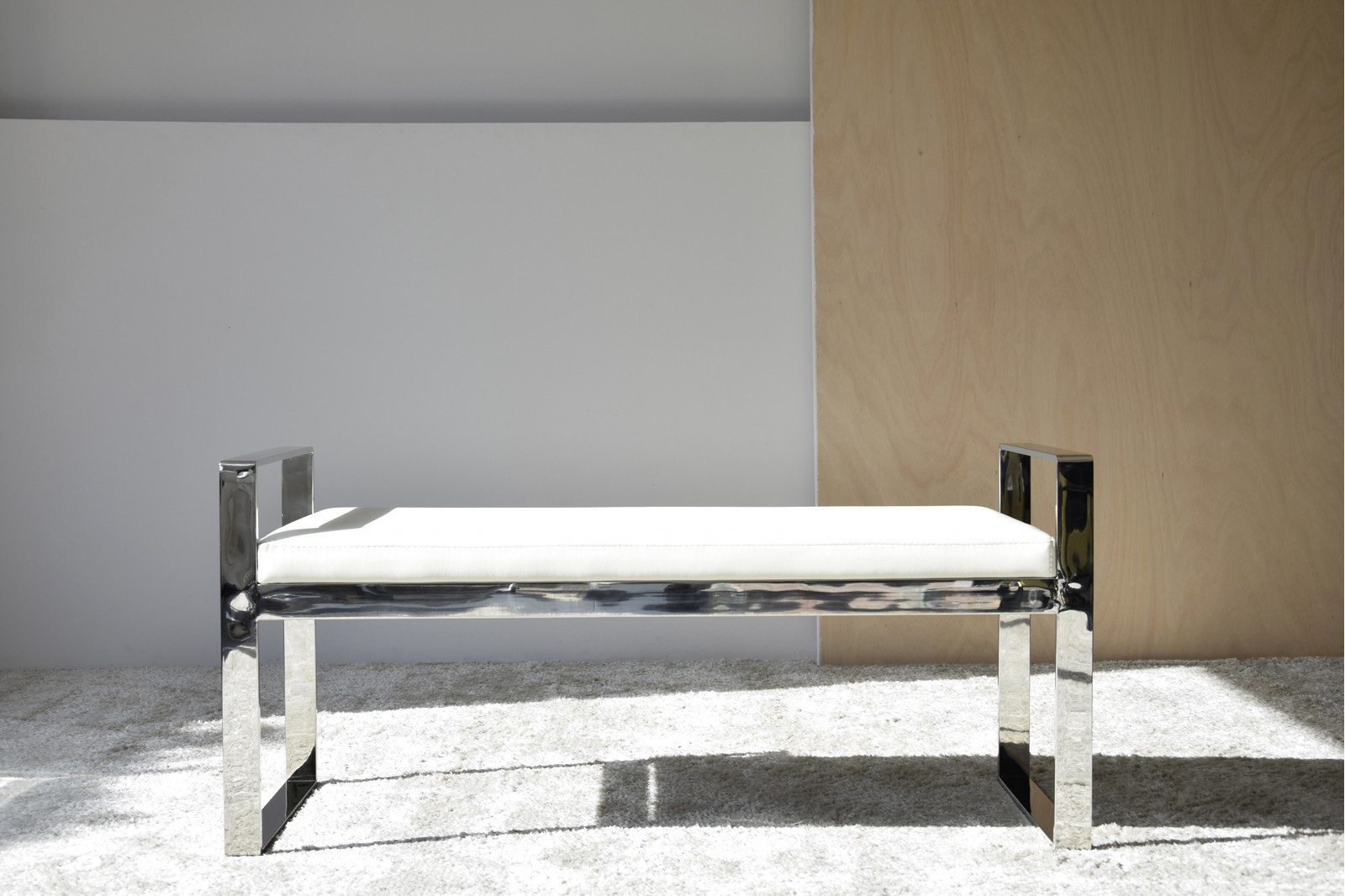 BENCH STAINLESS STEEL STRUCTURE AND WHITE PU